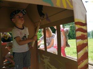 Детский Праздник - дети красят дом