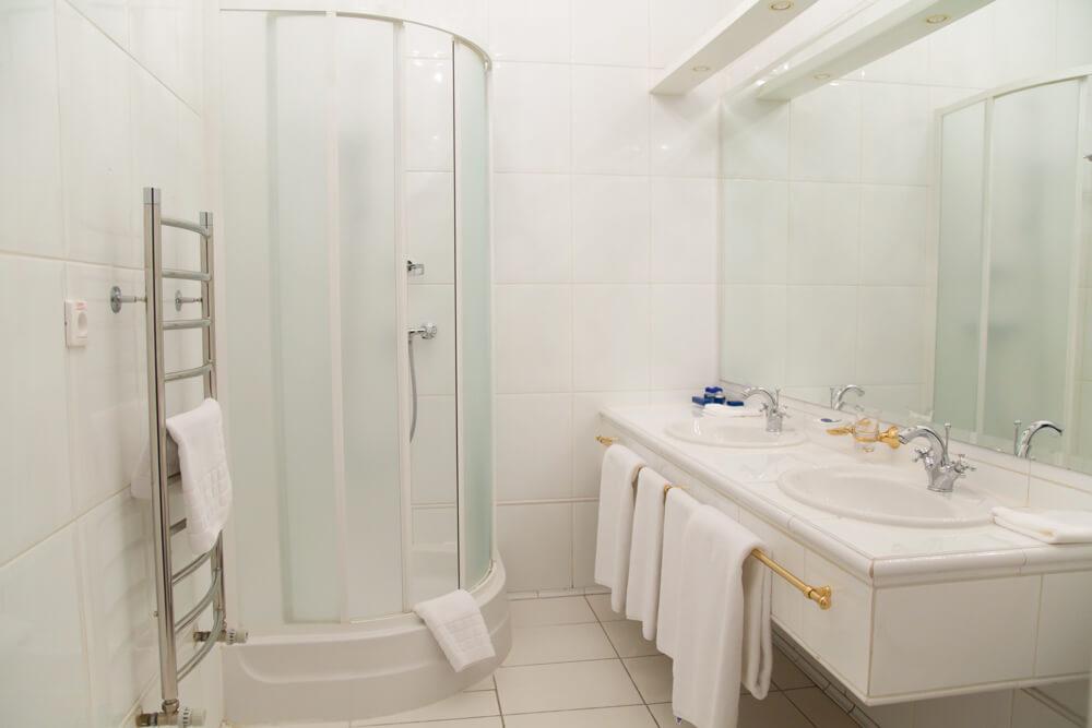 Главный корпус - Ванная комната номер сьют