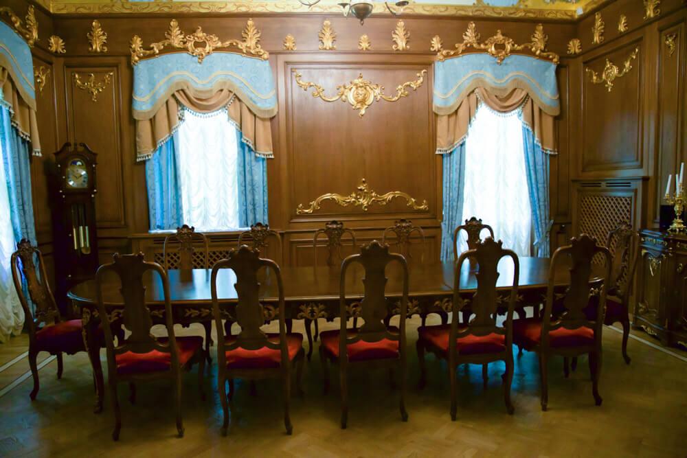 Комната переговоров на 12 человек