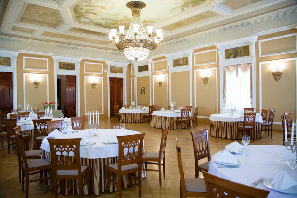 Большой банкетный зал в Парк Отеле
