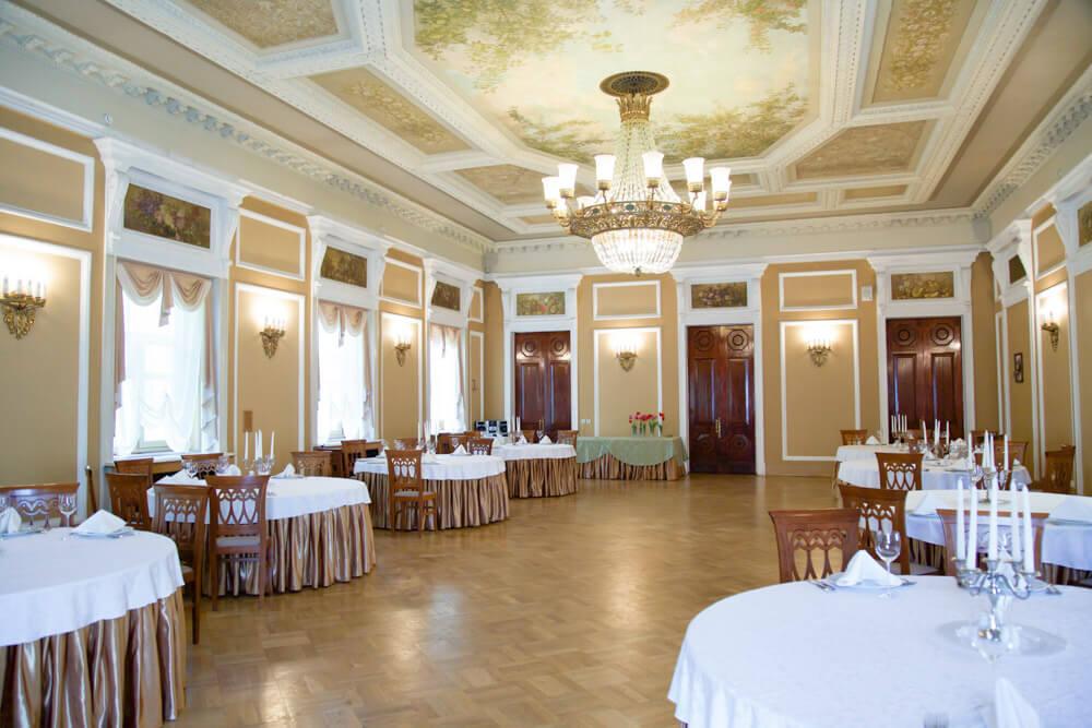 Банкетный зал для свадьбы в усадьбе Морозовка