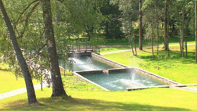 Каскад прудов в парк - отеле Морозовка