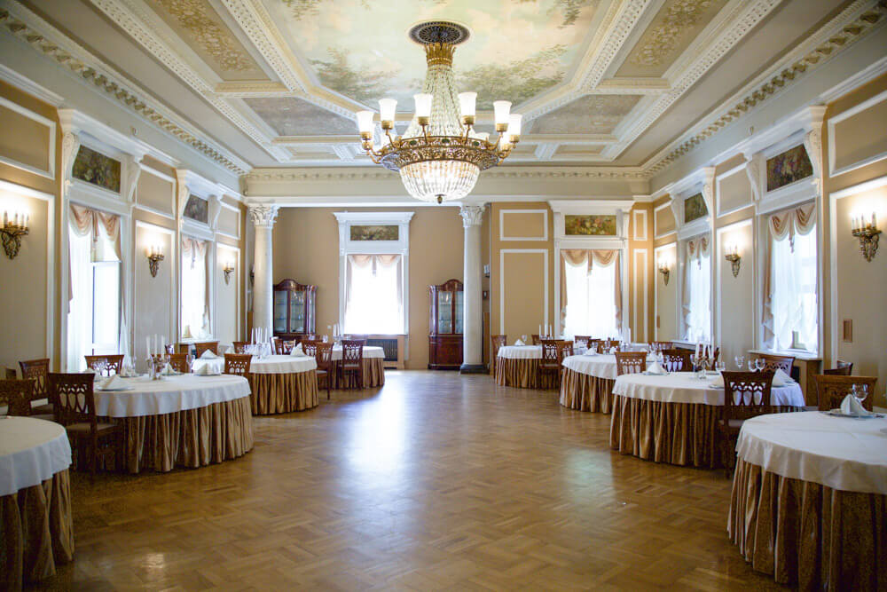 Большой банкетный зал в Главном корпусе