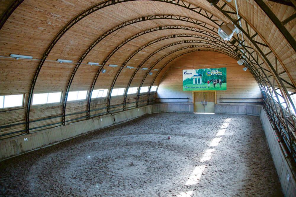Фото конного манежа в Морозовке