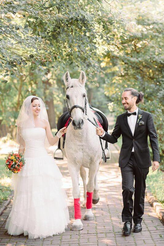 Конные прогулки свадьба в усудьбе