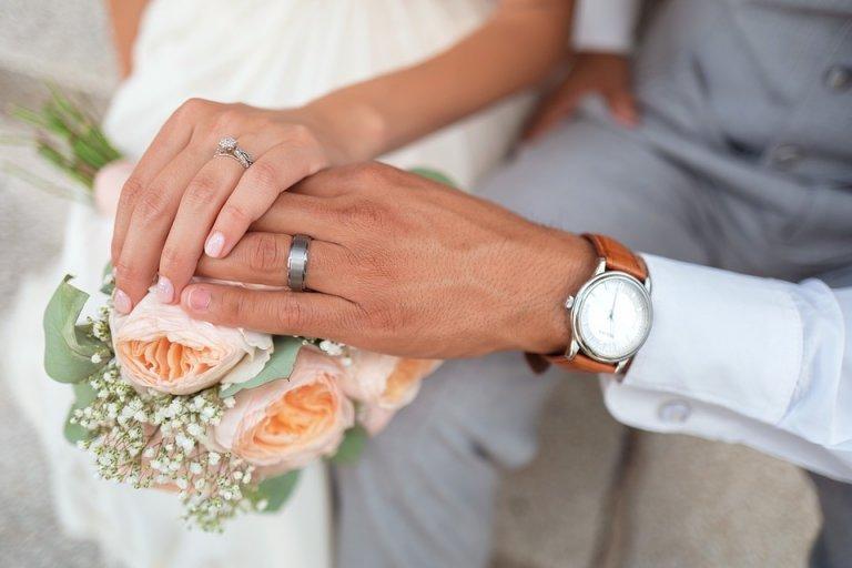 bride-1837148_960_720 (1)
